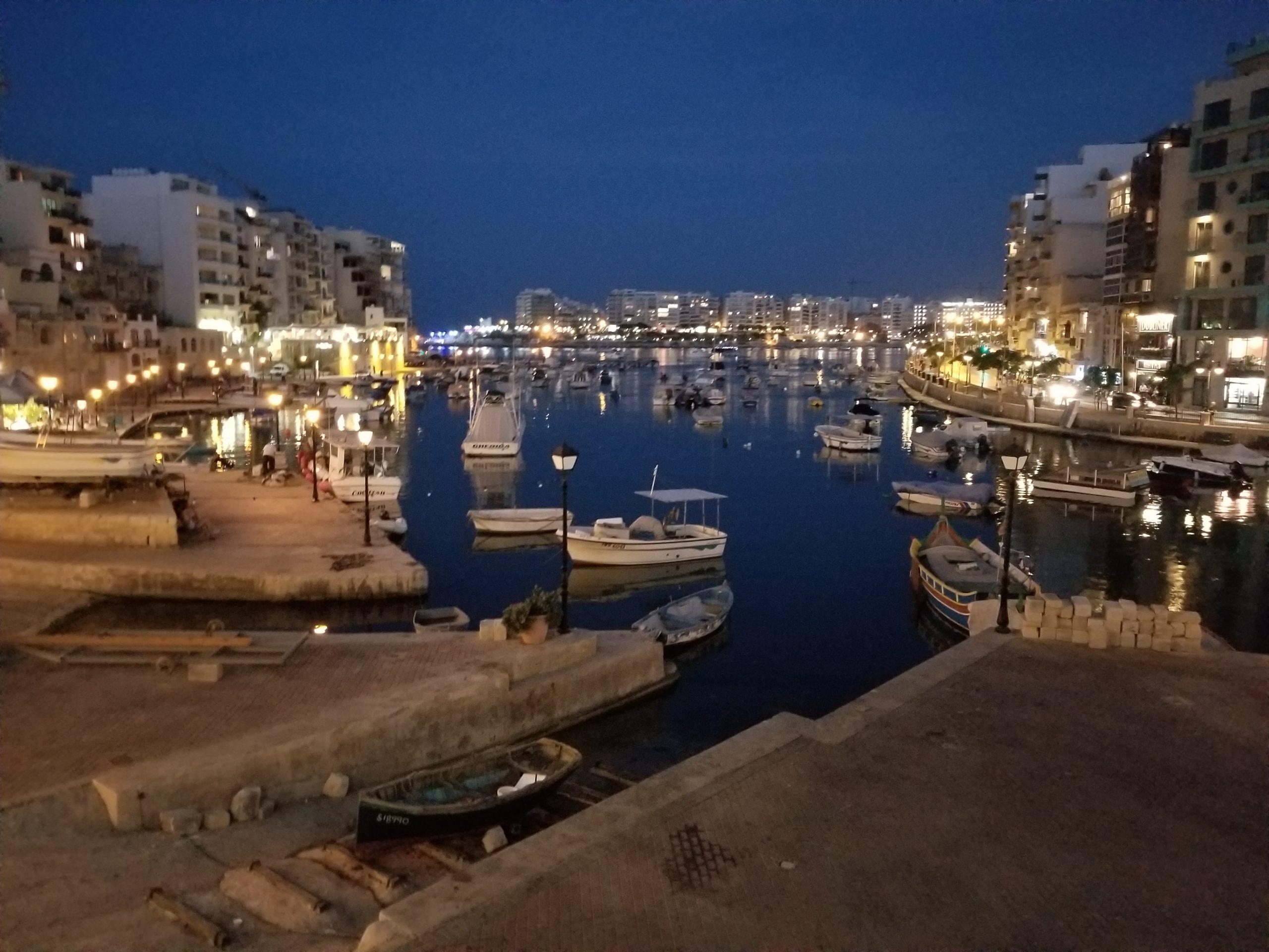 【マルタの渋谷!?】マルタの繁華街St.Juliansってどんなところ??